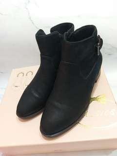 🚚 Diana 36碼靴子