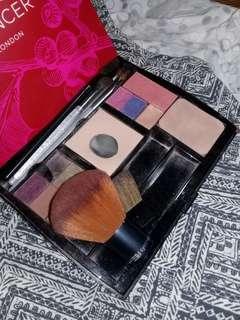 Mary Kay Make-up Set (with brushes and eyeliner)
