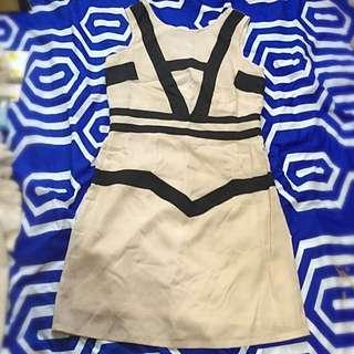 Bebe Summer Dress Beige And Black Lines