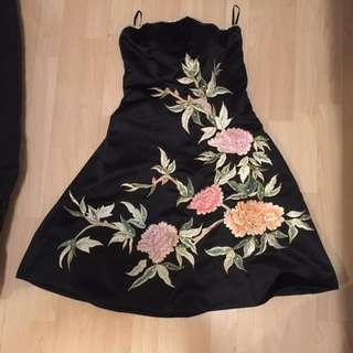 Stunning Embroidered bustier tube dress in excellent condition