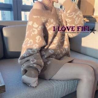 ❤FIFI❤顯白杏色兔毛慵懶寬鬆豹紋露肩V領針織毛衣