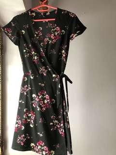 Wrapped floral dress in black