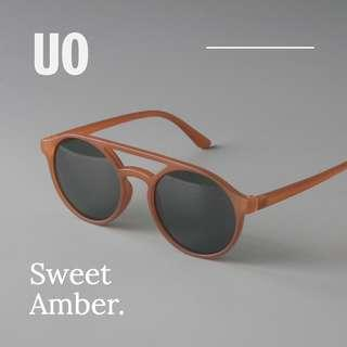 🚚 The UO Sweet Amber Sunglasses for Hipsters