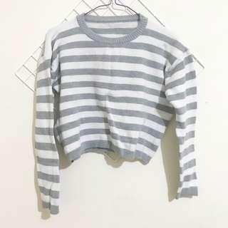 "Crop sweater (putih abu"")"