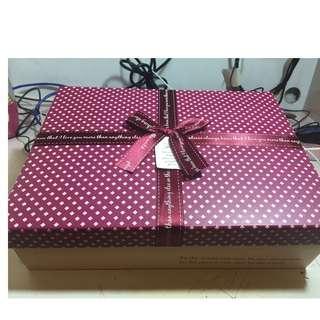 絲帶蝴蝶結 棗紅色X粉紅色 禮物盒[Size: 30cm X 25cm]