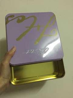 🚚 蝴蝶酥餅鐵盒*2