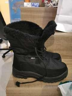 EXPAT CLEARANCE!deltex snow ice boots with spikes