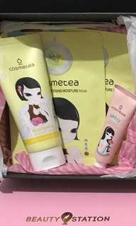 Cosmetea Brightening and Moisturizing Set with Gift box