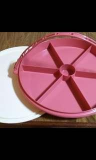 🥜🍬🍭Tupperware Vintage Candy Tray.