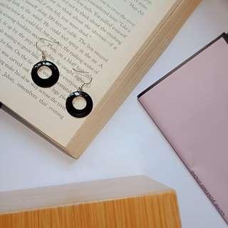 復古小巧可愛黑色圈圈耳環