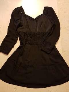 🌹CNY ELEGANT (plus size) black dress with small beads and lacey