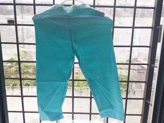 Celana karet pendek