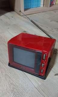 🚚 早期五吋電視機