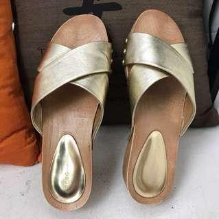 🚚 Shoes BCBG