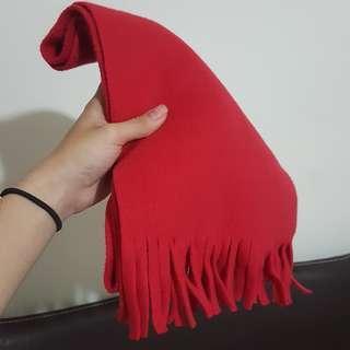 🚚 紅色圍巾