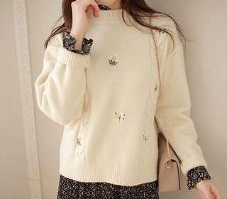 🚚 全新正韓奶油白暖暖厚款小花針織毛衣