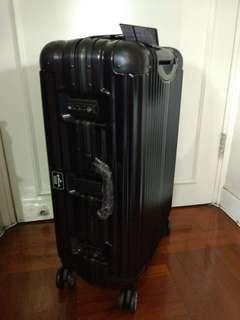 [3年保養] 全新美國 Hallmark Design Collection 26吋金屬鋁框行李箱-黑色手提行李喼 Gip