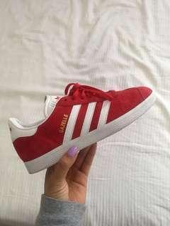 Adidas Gazelle (US7 in wmns)