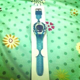 🚚 藍色電子手錶