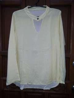 Choker-like blouse
