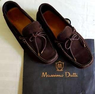 Massimo Dutti Loafers, Suede Leather. Lightly used, Good Condition, no flaw.