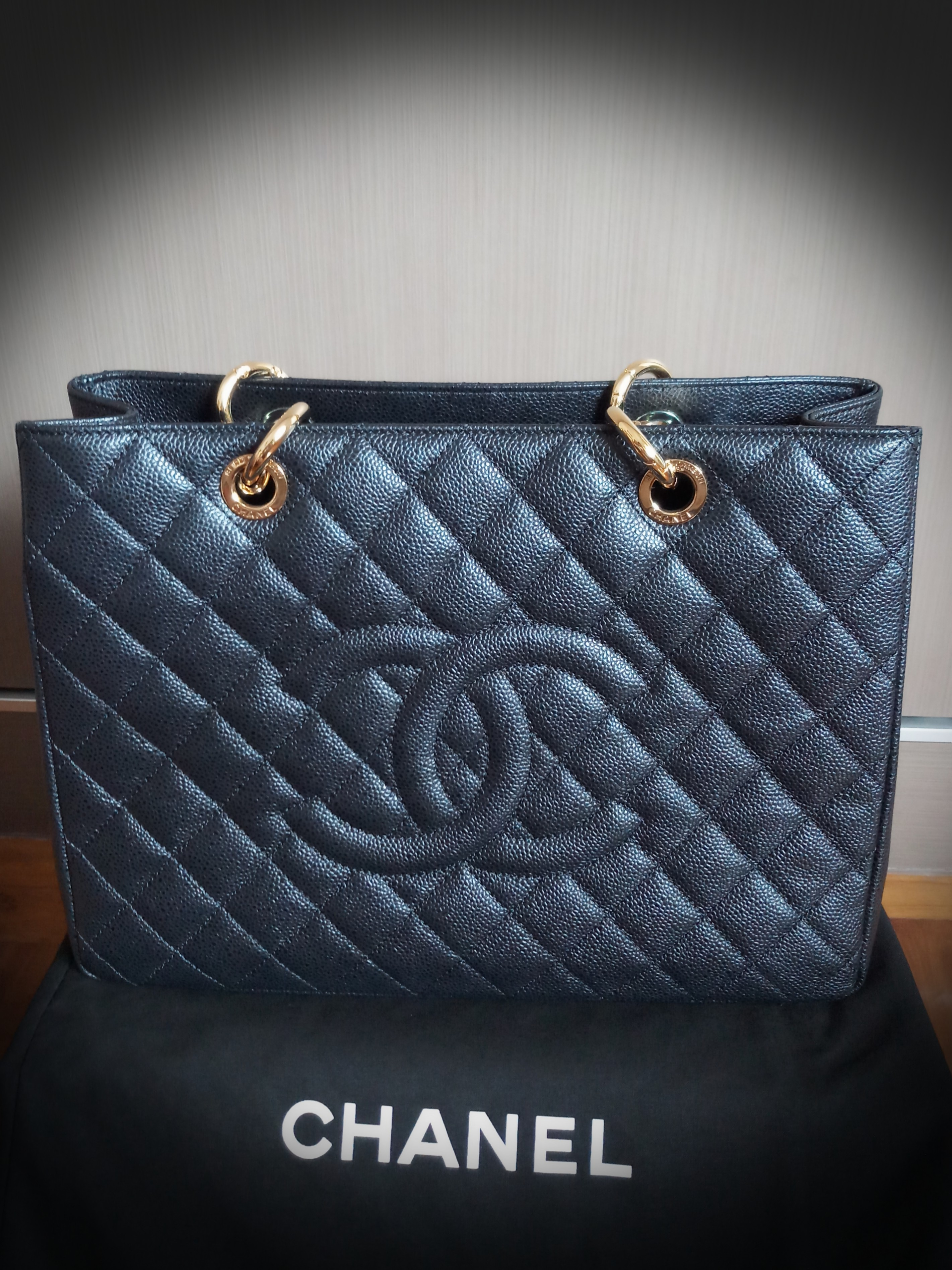 9df1bf6446c7 Authentic CHANEL Caviar Quilted Grand Shopping Tote GST Black ...