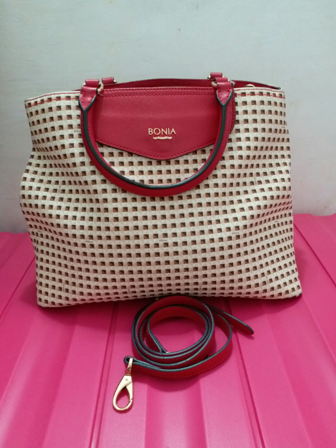 Bonia Luxury Bag cf4bfd4ef0
