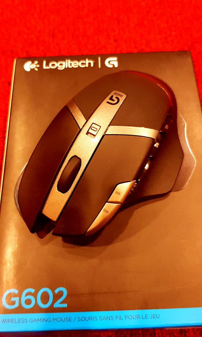Logitech G602 Lag-Free Wireless Gaming Mouse - Includes Bag