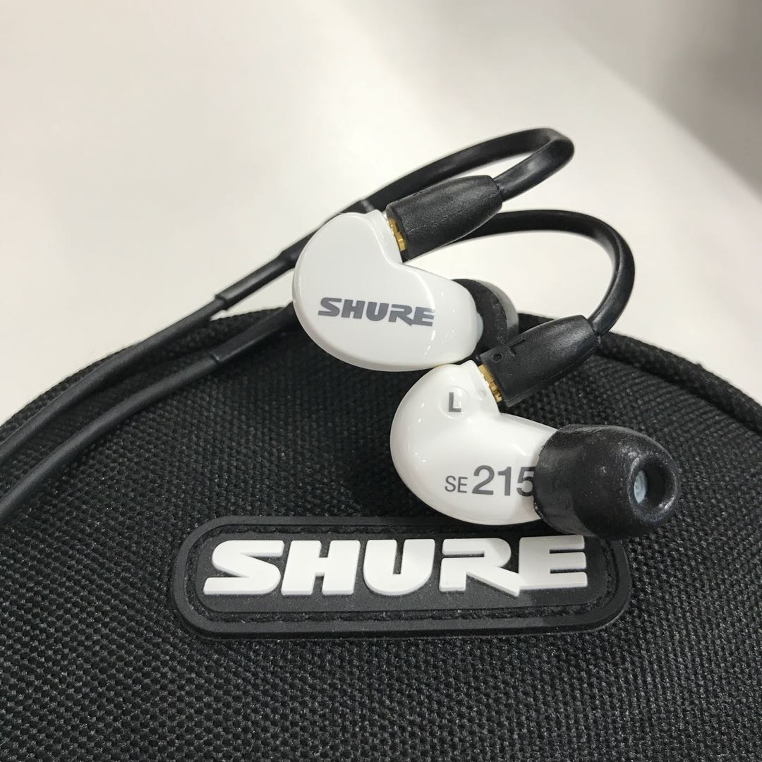 798d73fa791 Shure SE215 White Special Edition, Electronics, Audio on Carousell