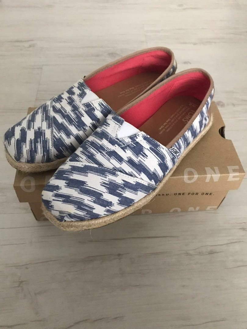 b6479a6609044 Toms Women Classic slip-on Blue Bali Tribal Rope (US 6 / UK 4 ...