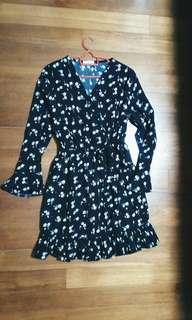 CLEARING Black Daisy V Neck Dress