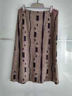 🚚 斑品BENPIN/長裙,過膝,中高腰,尺寸M,35%羊毛,質料柔軟