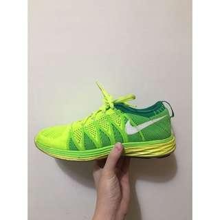 🚚 Nike flyknit lunar 2