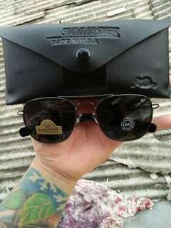 kacamata pilot/army Sunglasses AO/American Optical Skymaster Aviator 28KGP Black  57¤20 Made in U.S.A Rare (Limited edition)  Kondisi new/baru (masih menempel stiker bandrol barunya With hardcase Full tag logo brand Logo brand