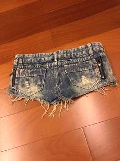 時尚牛仔短褲
