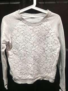 Crop Top / Lace Top / Sweatshirt