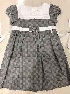 Dress kotak2 hitam putih