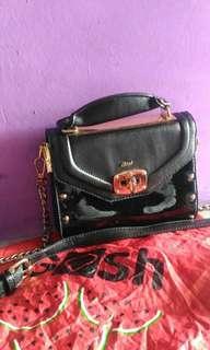 Gosh sling bag