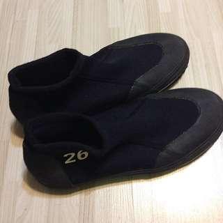 🚚 黑色毛氈底溯溪鞋 26號