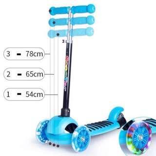 Ready Stock 4 Wheels Lighted Children Kids Beginners Kick Scooter