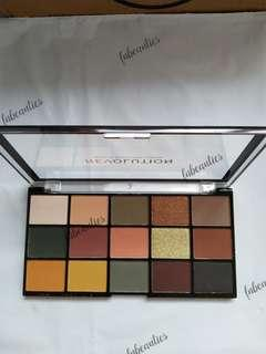 READY STOCK MAKEUP REVOLUTION ICONIC DIVISION