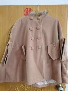 🚚 罩衫式外套