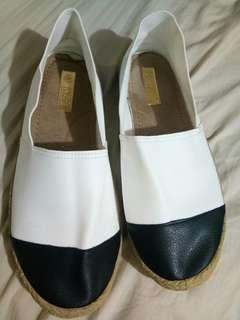Spadril style shoes