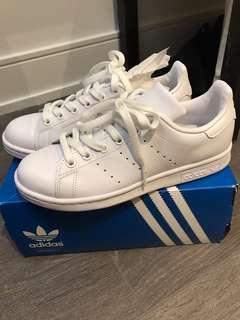 BNWT Adidas White Stan Smiths
