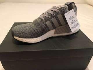🚚 SALE Adidas NMD R2 Grey