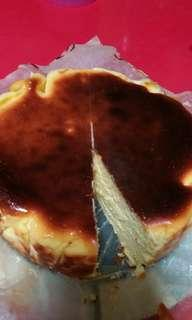 Basque Burnt Cheesecake 8 inch