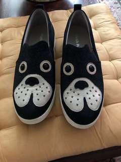 Hush puppies sneakers