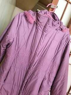 🚚 秋冬款刺繡加厚連帽中長款防風保暖大衣外套 薰衣草紫