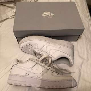 Nike- Air Force 1 | size: 3.5 youth