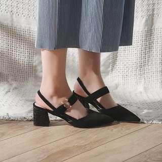Plain / basic pointy head heels